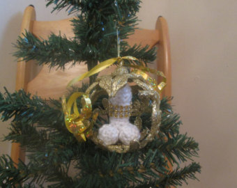 goleden ring xmas ornament